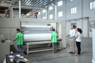 Nueva revolución de Rayson: la séptima línea de producción no tejida se pone en marcha