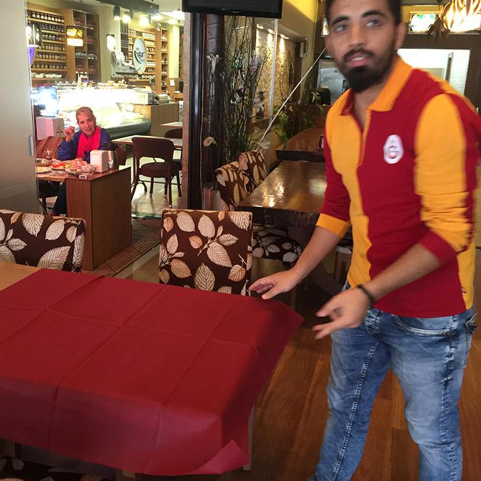 साटन कपड़े उच्च गुणवत्ता सादा रंगे पीवीसी लेपित nonwoven टेबल कपड़ा