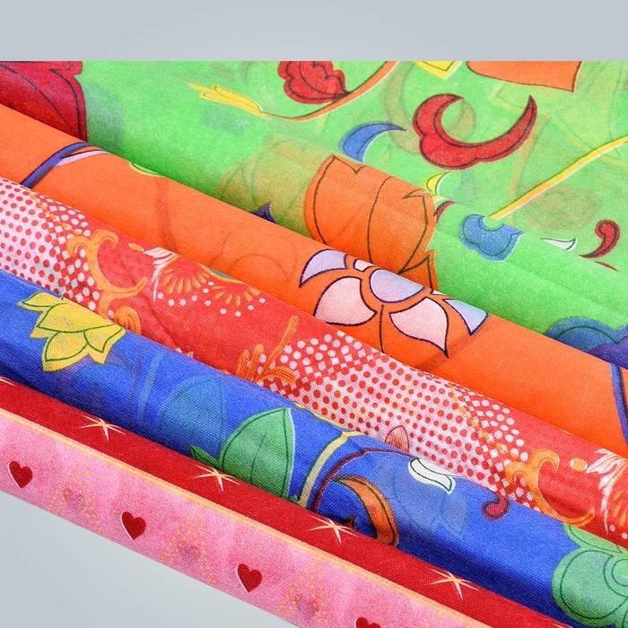 Gedruckte Vliesstoff und Vlies sind durch Polypropylen Material gefertigt.
