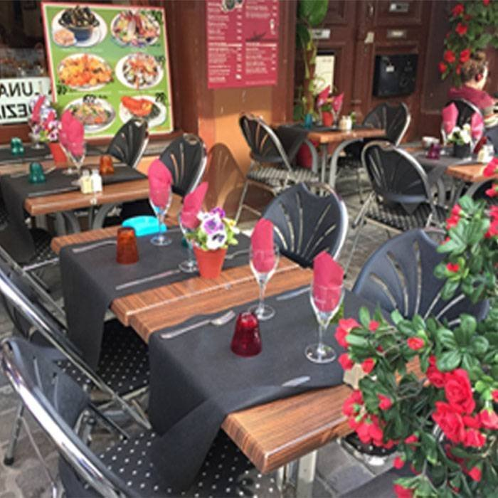 USA e getta non tessuto TNT runner tavolo pre-tagliati per il ristorante