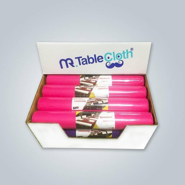 프랑스 시장에서 핑크 컬러 테이블 러너