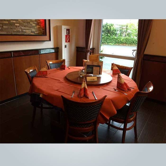 優れた品質と卸売価格ラウンド不織布テーブルカバー