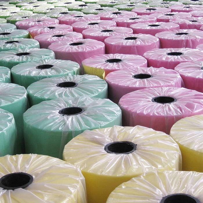 Foshan-Lieferant pp. Spunbond-Vliesstoff für Sofa-Gebrauch mit Muti-Farben